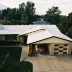 How much does an aluminum roof weigh?